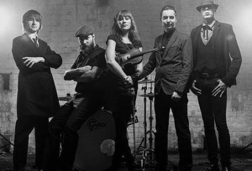 The-Moorings-Band-2014-548x372